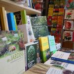 """""""[Librairie-boutique] Quels livres pour rendre le sapin plus vert ? Les conseils de notre jardinière..."""""""
