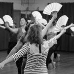 """""""Andy de Groat : Fan Dance – La danse des éventails"""""""