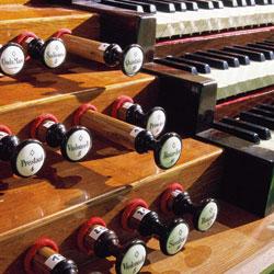 Détail du clavier de l'orgue Cavaillé-Coll