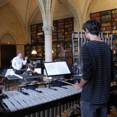 Académie Voix Nouvelles, répétition dans la Bibliothèque Henry & Isabel Goüin
