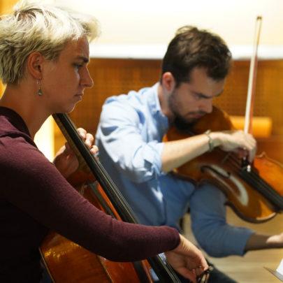 Violoncelliste et violoniste, formation Saint Saens