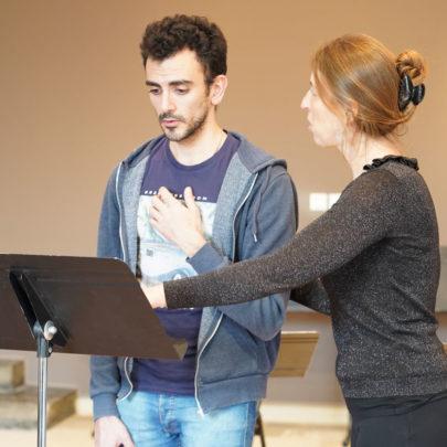 formation polyphonie : un chanteur avec Caroline Bardot