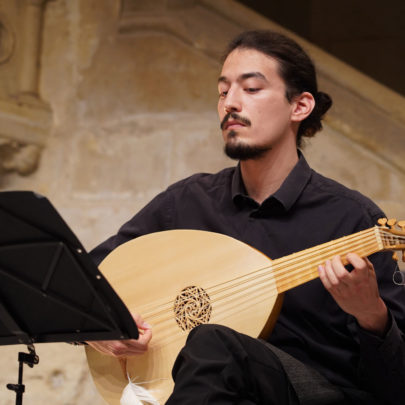 Rui Stähelin, viéliste du Miroir de musique